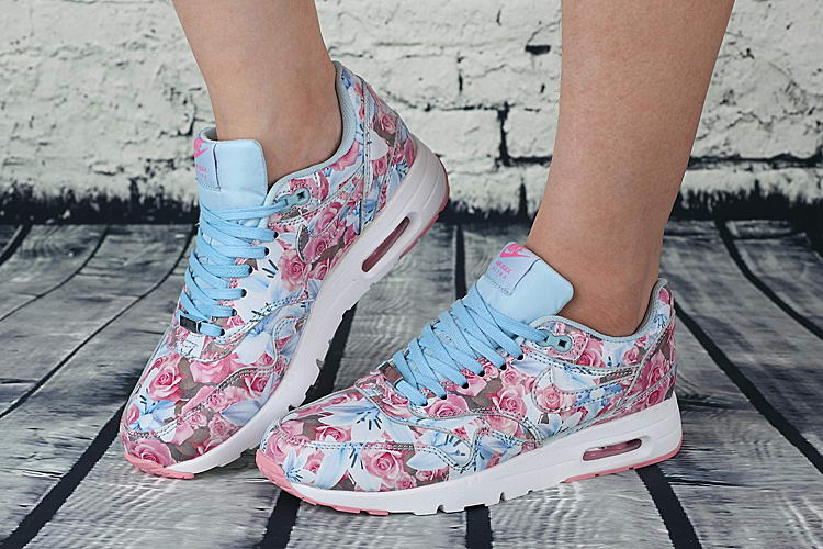 Details about New Nike Women's Air Max 1 Ultra LOTC QS London Floral City Pack 747105 500 Sz 6